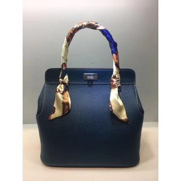 2017 Genuine Leather women designer Brand Lock Bucket Hasp Luxury handbags Crossbody Purse lady Messenger knit Shoulder tote Bag32822776155